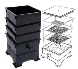 Worm Tower With Multiple Trays