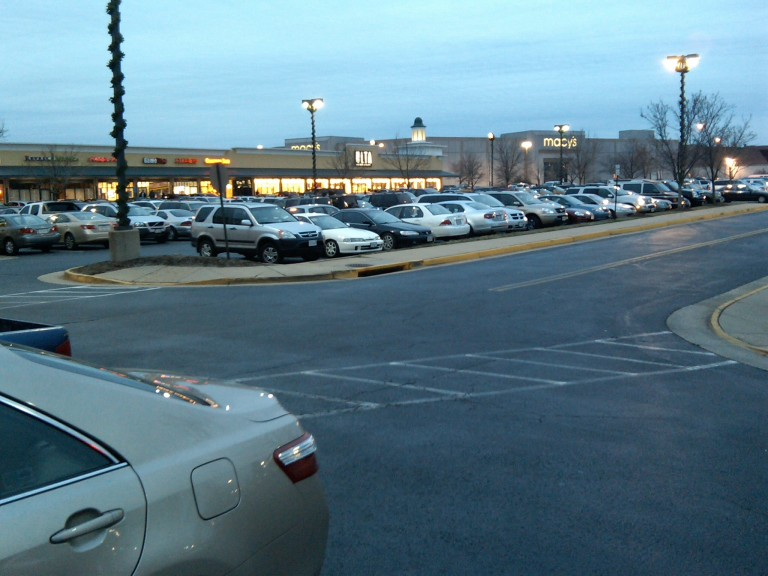 Hard Pressed to Find Parking at the Springfield, VA Best Buy
